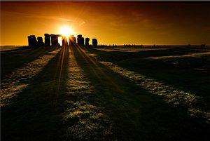 Stonehenge - Solstizio d'estate. Immagine dal web.